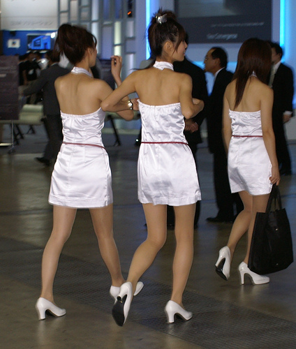 sexy-legs-3-gals